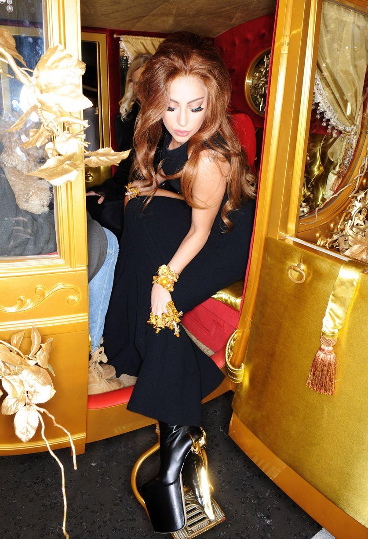 Lady Gaga – Fame Fra... Freida Pinto