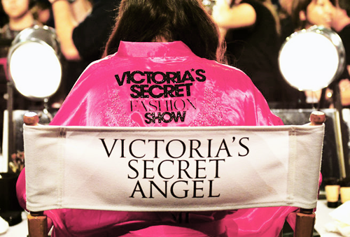 victorias-secret-fashion-show-2011-performance-5mxj