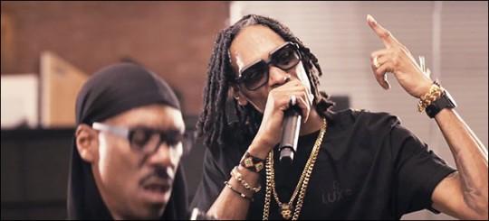 Eddie-Murphy-Red-Light-featuring-Snoop-Lion-video