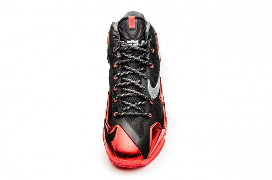 a-closer-look-at-the-nike-lebron-11-away-2