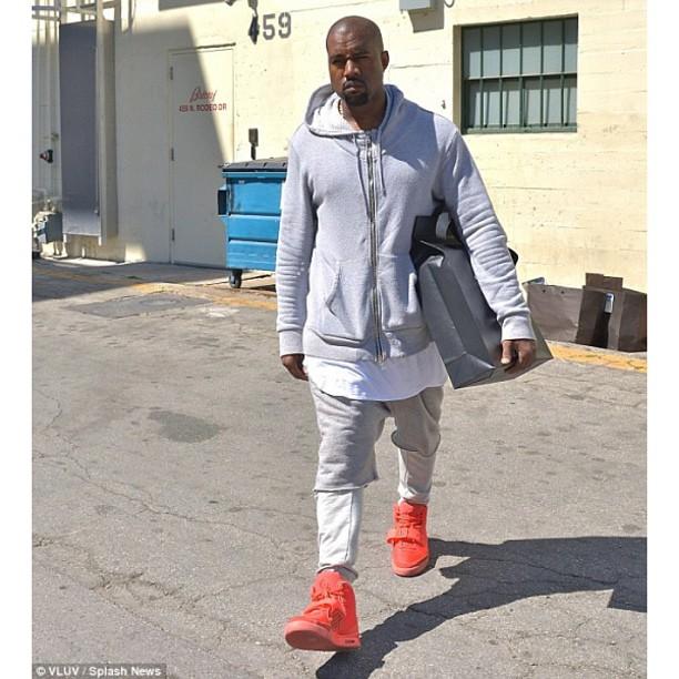 Kanye-West-Balmain-hoodie-Nike-Air-Yeezy-2-red-october-Sneaker-shoes