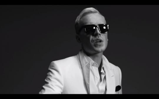 Mr-Hudson-Move-Music-Video