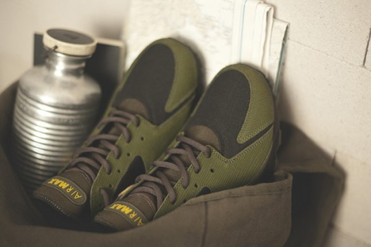 Nike-Size-Spring-2014-Army-Navy-Pack-Exclusive-04
