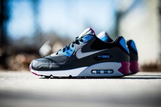 Nike_Air_Max_90_Essential_Berry_Sneaker_Politics_1_1024x1024