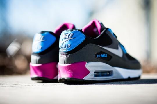 Nike_Air_Max_90_Essential_Berry_Sneaker_Politics_3_1024x1024