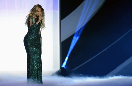 beyonce-brits_perf_2828454a