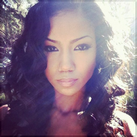 jhene-aiko-everything-must-go-1024x1024-1024x1024