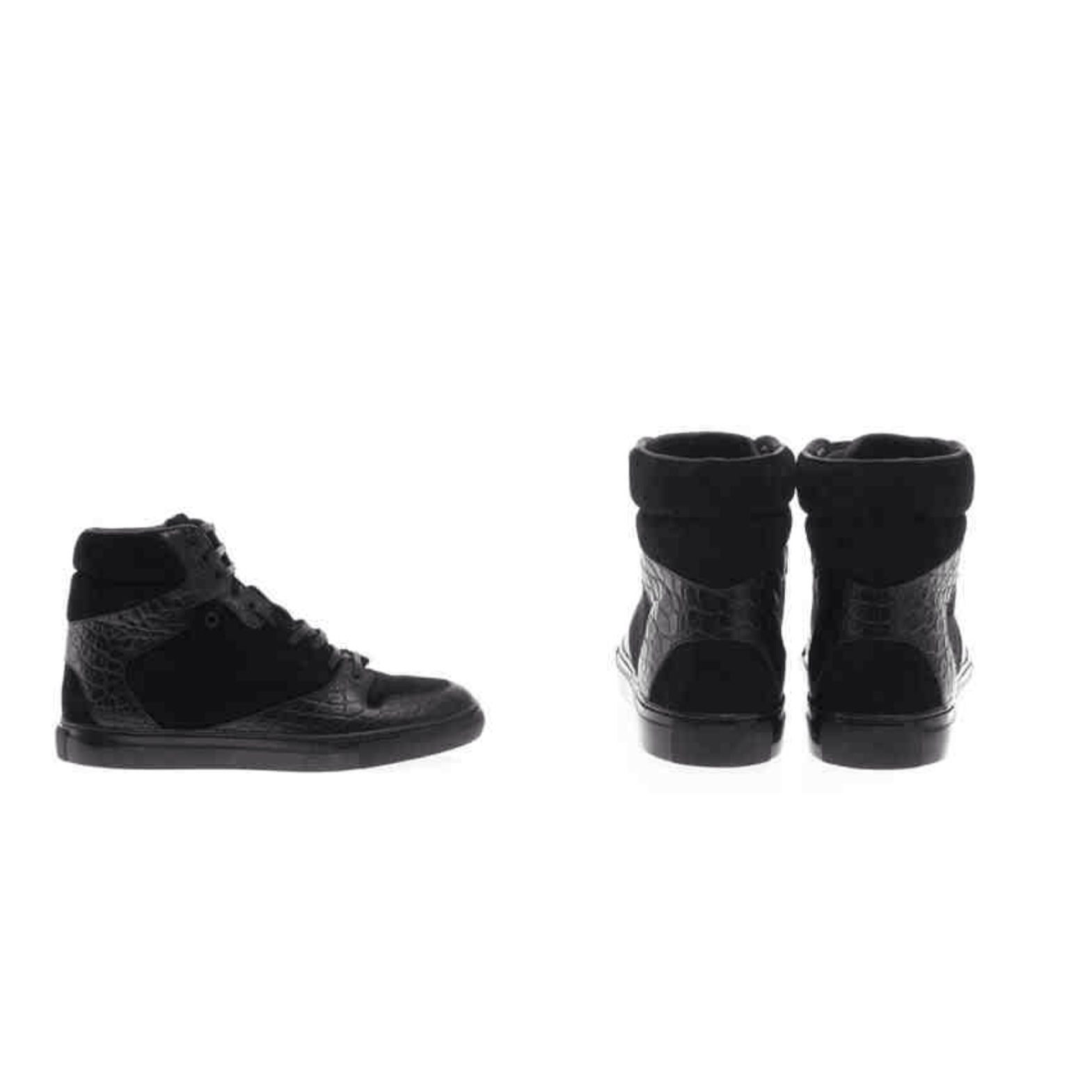 Balenciaga Leather Ankle Boots in Black. View Fullscreen