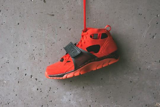 Nike_Air_Huarache_Love_Hate_Pack_Sneaker_Politics_1_1024x1024