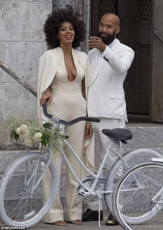 1416173561346_Image_galleryImage_Solange_Knowles_and_Alan_