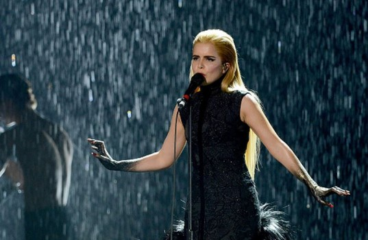Paloma-Faith-BRIT-Awards-performance1-537x350