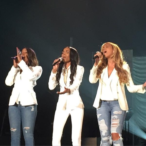 Beyonce-reunites-with-Destinys-Child-at-Stellar-Awards-2015-VIDEO
