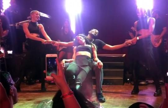 sexy lap dancing to ciara videos