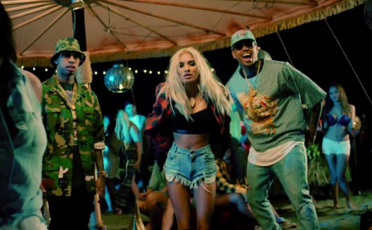 tyga-pia-mia-chris-1