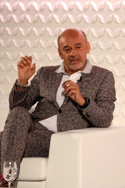 Louboutin-meta-Vogue-25Apr15 Darren Gerrish_426x639