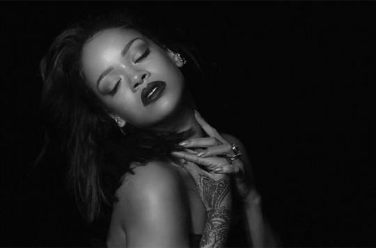 rihanna-kiss-it-better-video-2016-billboard-1