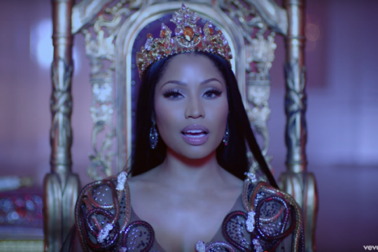 nicki-minaj-lil-wayne-drake-no-frauds-video