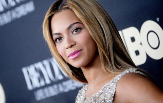Beyonce-Life-Is-But-A-Dream-premiere_1_1