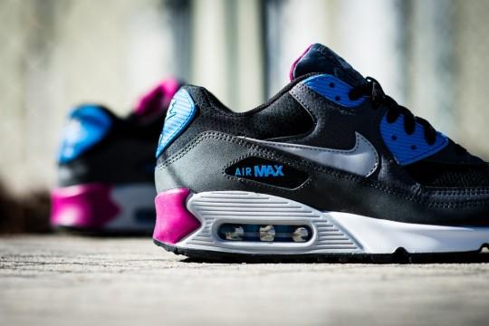 Nike_Air_Max_90_Essential_Berry_Sneaker_Politics_4_1024x1024