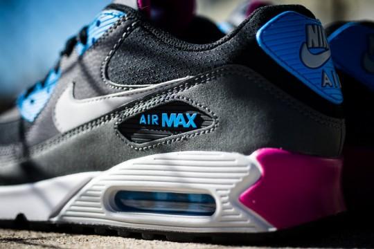 Nike_Air_Max_90_Essential_Berry_Sneaker_Politics_7_1024x1024