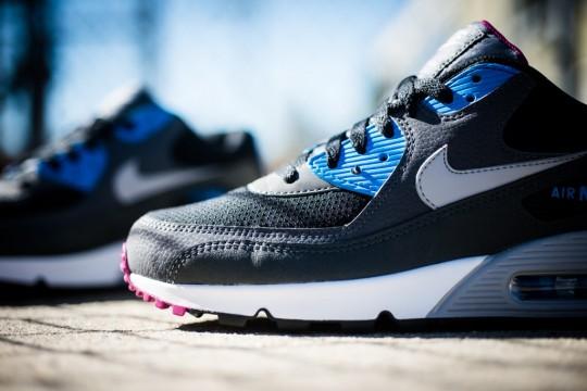 Nike_Air_Max_90_Essential_Berry_Sneaker_Politics_8_1024x1024
