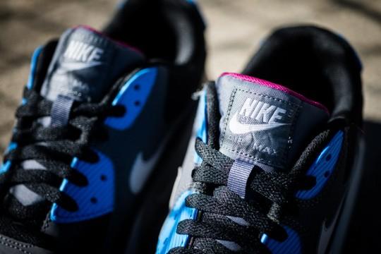 Nike_Air_Max_90_Essential_Berry_Sneaker_Politics_9_1024x1024