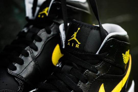 Air_Jordan_1_Mid_Nouveau_Sneaker_Politics_14_1024x1024