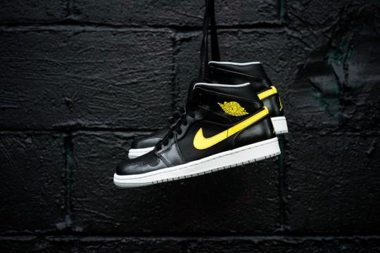 Air_Jordan_1_Mid_Nouveau_Sneaker_Politics_8_1024x1024
