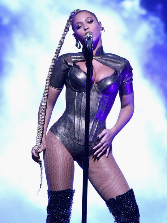 beyonce-tidal-1015-concert-pictures-october-2016